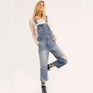 Free People Distressed Boyfriend Overall Jeans 27
